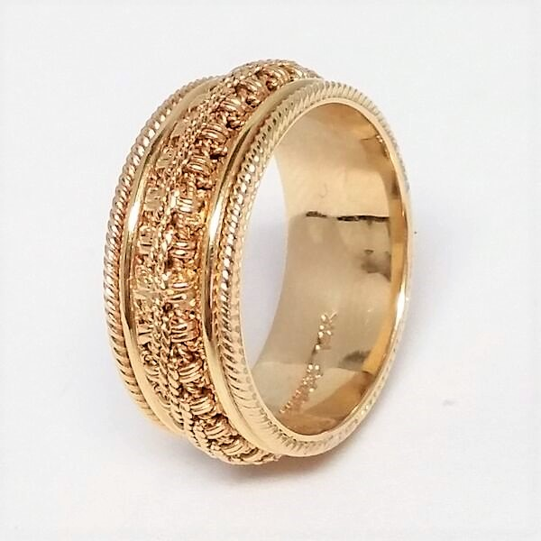 Men S Yellow Gold Ornate Chain And Milgrain Wedding Band