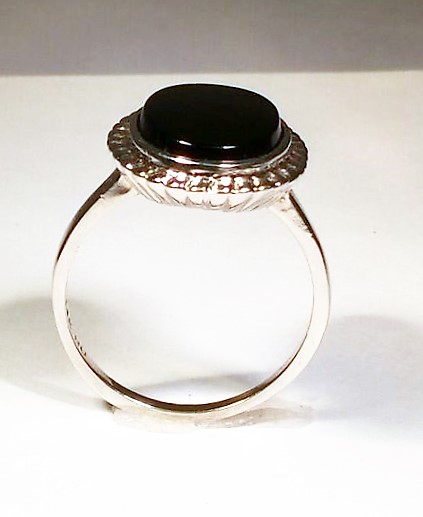 14k White Gold And Onyx Ring